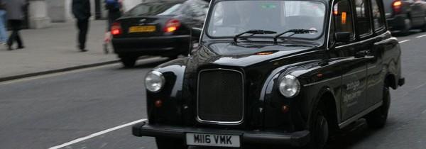 Londres: Geely volta a fabricar os tradicionais táxis pretos